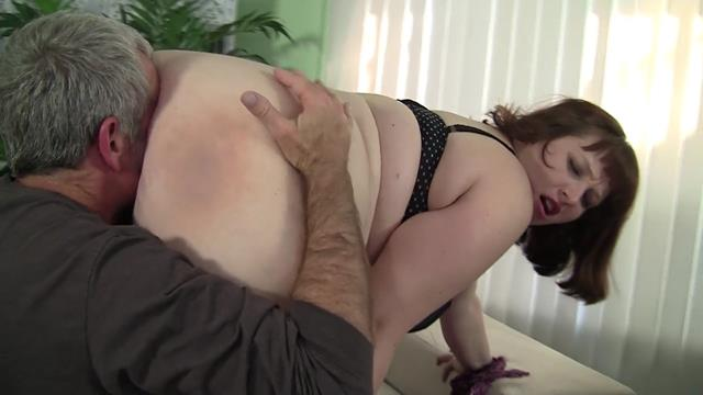 sexy bbw has some awesome blowjob skills.